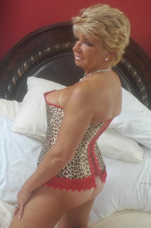 mature escort ohio